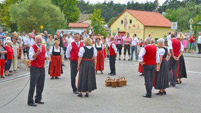 Volkstanz001